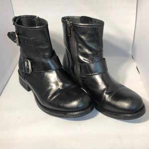 | Steve Madden | Black Leather Ankle Boots